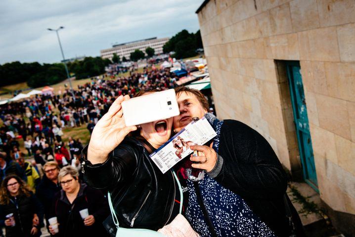 Fans in Leipzig: Pseudoreligiöser Überernst?