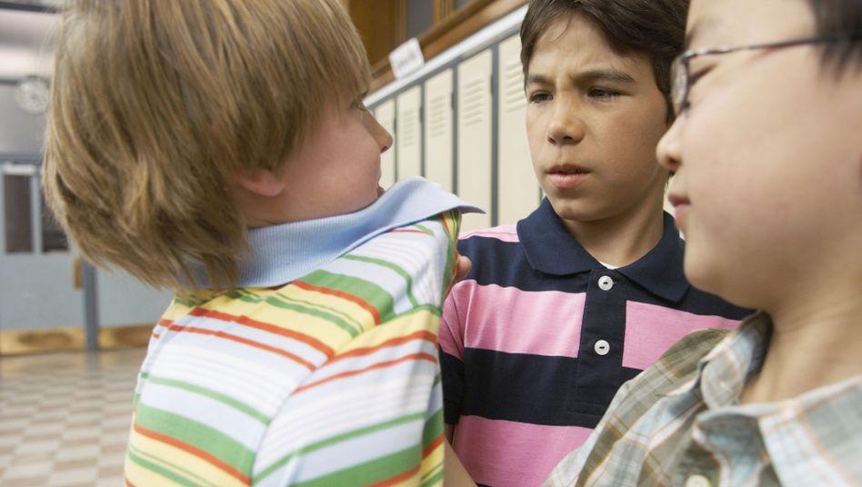 Zwei gegen einen: Leider keine untypische Situation in Schulen