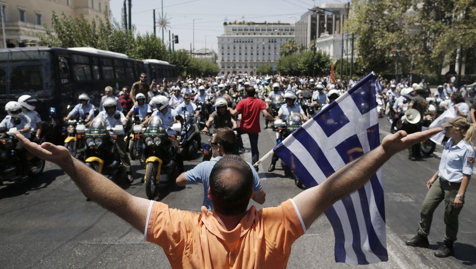 Protest in Griechenland: Städtische Beamte demonstrieren gegen Kürzungen