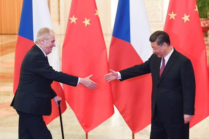 Milos Zeman zu Besuch bei Xi Jinping (im April 2019)