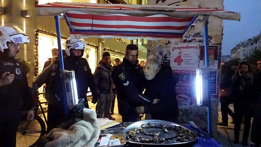 Festnahme des Maronenverkäufers Dimou: Sechs Monate Haft auf Bewährung