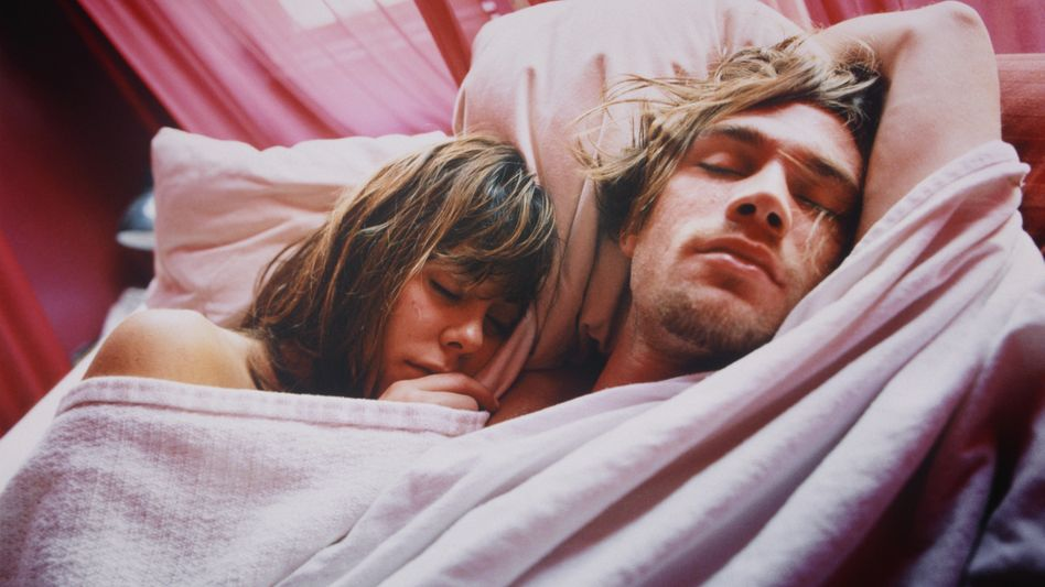 Can sleeping in separate beds help marriages survive?
