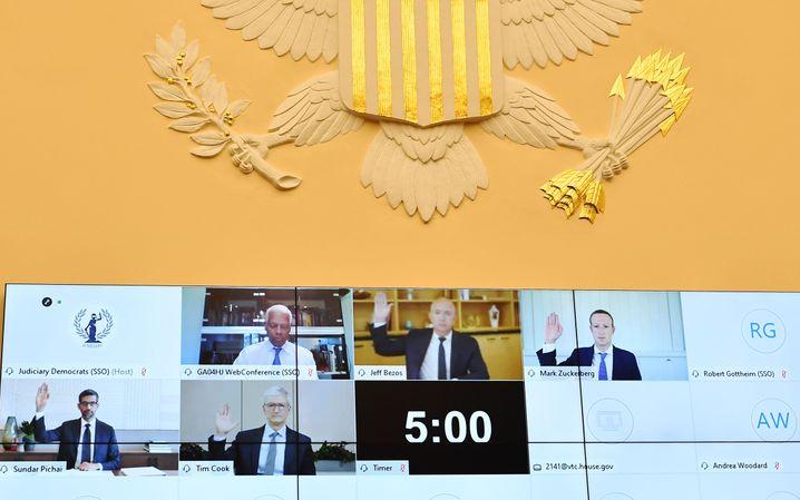 Techbosse Pichai, Cook, Bezos und Zuckerberg bei Anhörung: Als tauchten Trump, Putin, Xi und Merkel auf einem Zoom-Bildschirm auf