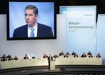 Klaus Kleinfeld, CEO of Siemens, addressed the company's annual general meeting last week.