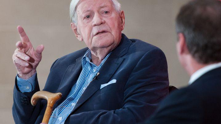 Konferenz in Hamburg: Helmut Schmidt, Zeitzeuge der SPIEGEL-Affäre