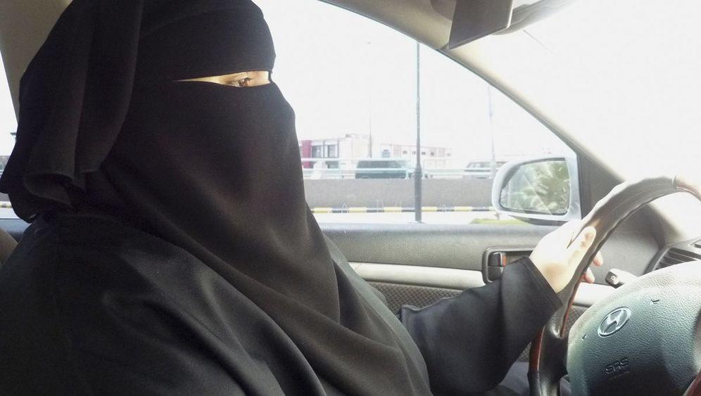 Saudi-Arabien: Wo Frauen Autofahren verboten ist