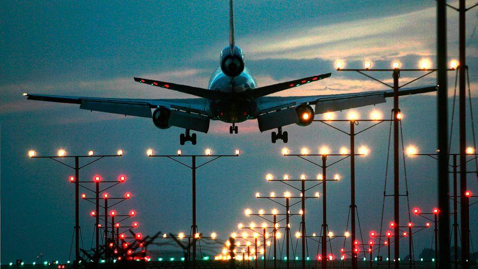 Landendes Flugzeug: Google darf Flugsuchmaschine übernehmen