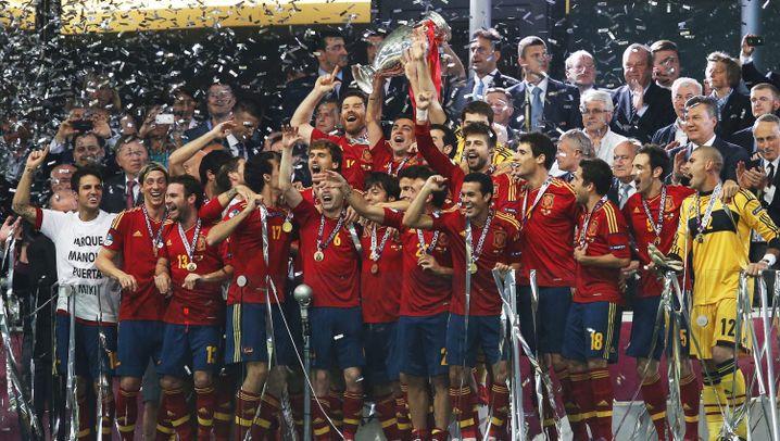 Finalsieg über Italien: Spanien zaubert sich zum Titel
