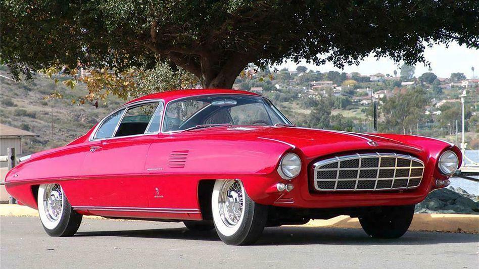 Vom italienischen Designhaus Ghia stammt die Form, von der ehemaligen Chrysler-Konzernmarke DeSoto die Technik. Der Adventurer II gilt als eines der schönsten Konzeptfahrzeuge überhaupt.