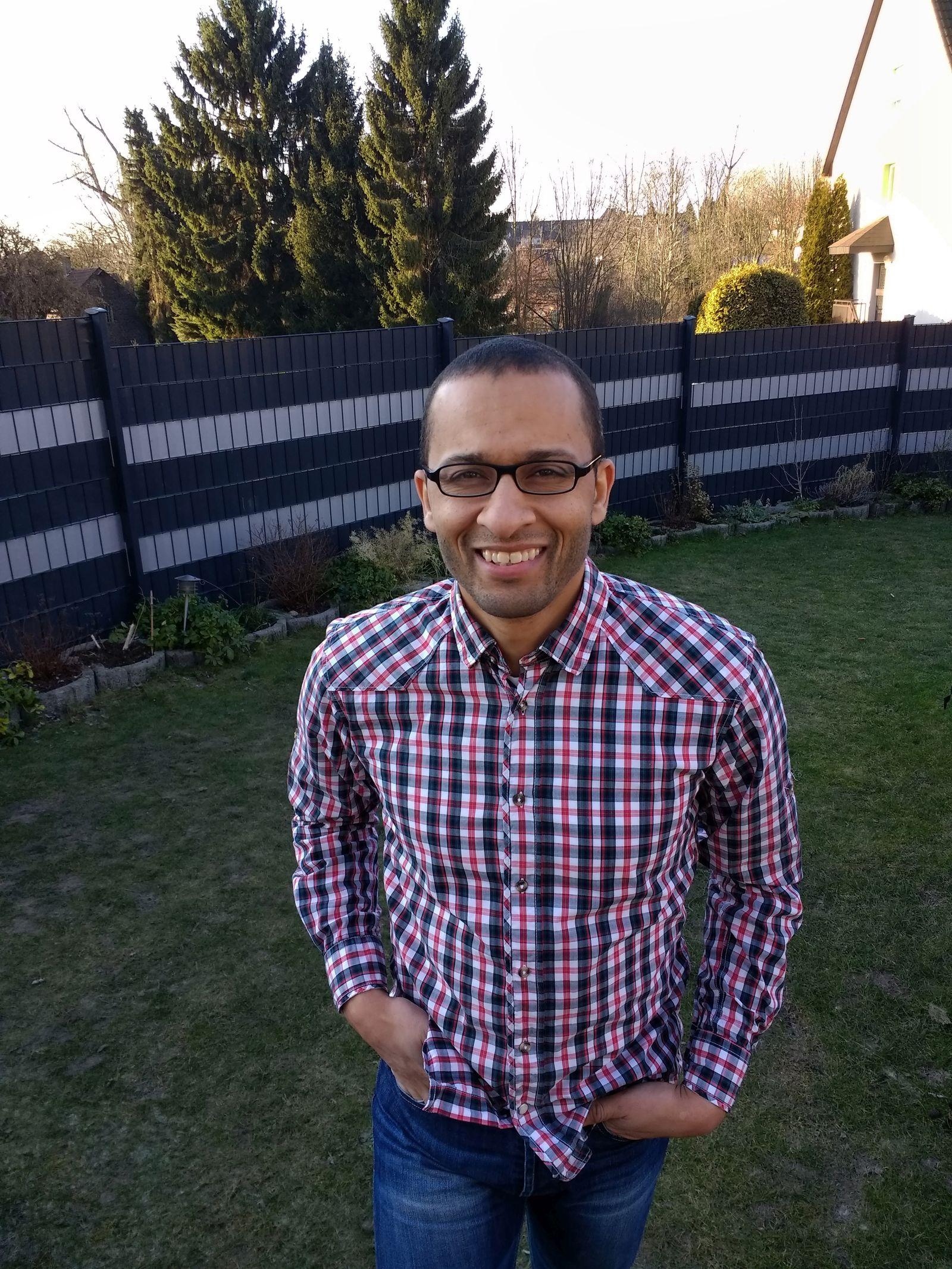 EINMALIGE VERWENDUNG Lehrer mit Migrationshintergrund