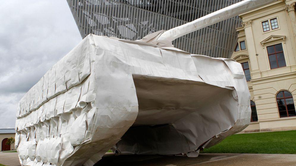 Origami-Designerin: Heute falten wir einen Panzer