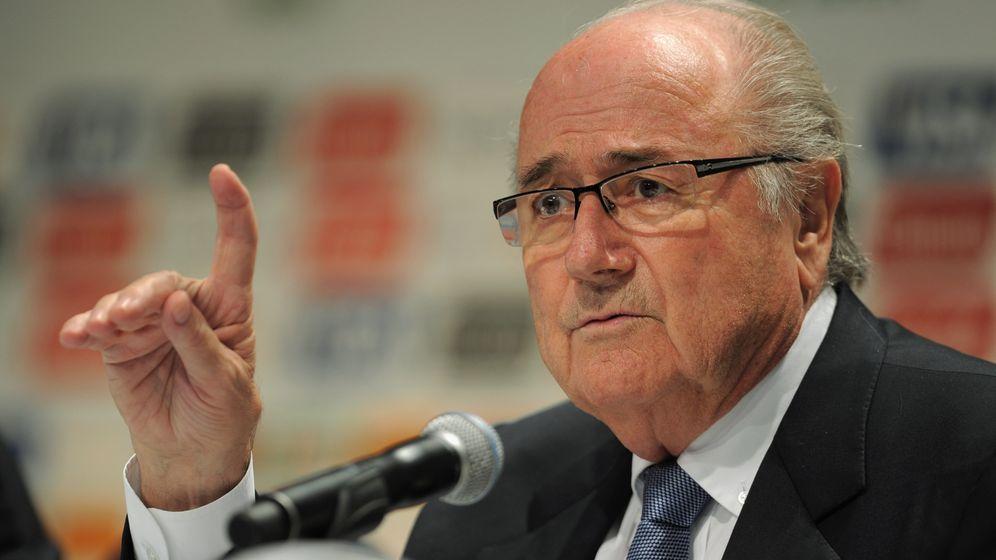 Bayern gegen Blatter: Konkurrenten im Weltfußball