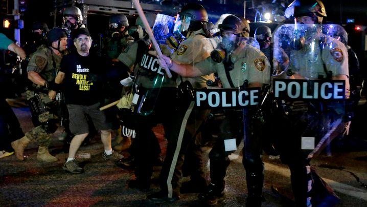 """Festnahme von Reportern in Ferguson: """"Eklatante Verletzung der Pressefreiheit"""""""