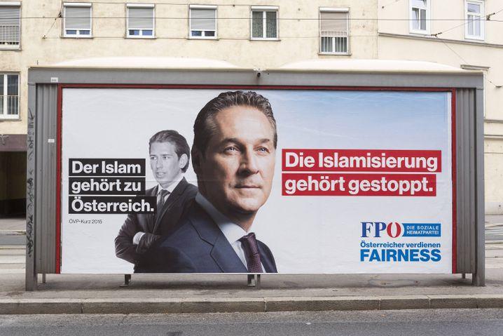 FPÖ-Plakat mit Sebastian Kurz und Heinz-Christian Strache (vorn)