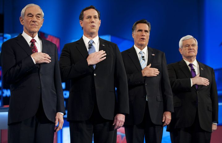 Santorum (2.v.l.) und Romney (3.v.l.) im Wahlkampf 2012
