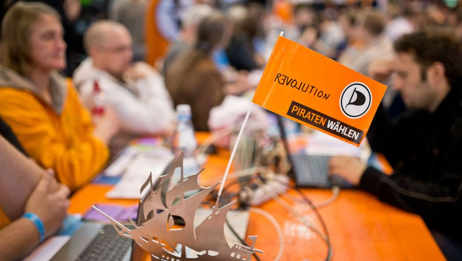 Piraten beim Bundesparteitag in Neumarkt (Mai 2013): Wert verdoppelt