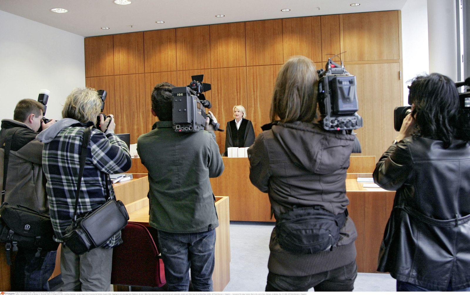 Amtsgericht Bonn / Prozess Bank-Filialleiterin