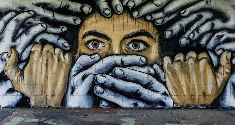 Graffito am Teufelsberg in Berlin: Die jüngere Generation denkt über Rassismus anders, schreibt anders