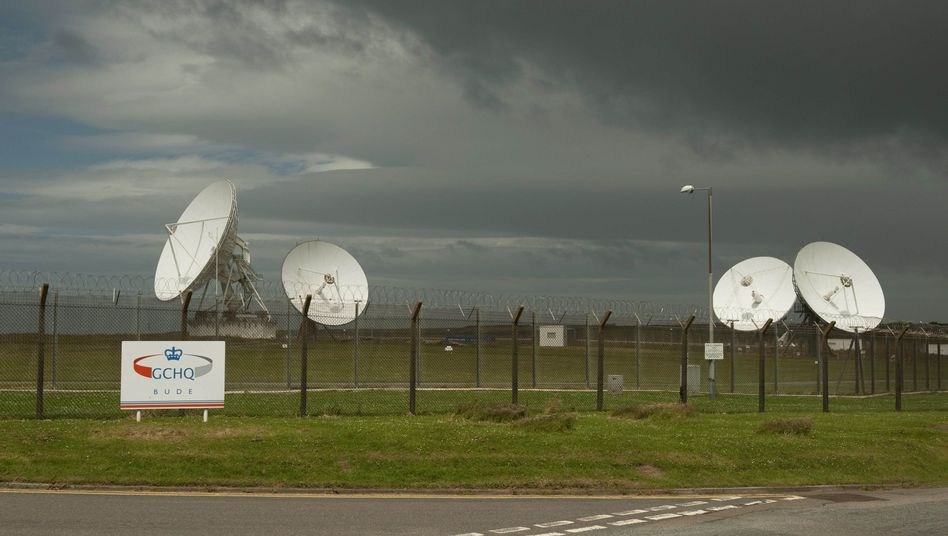 Satellitenschüssel an einer GCHQ-Basis in Cornwall: Half der BND mit?