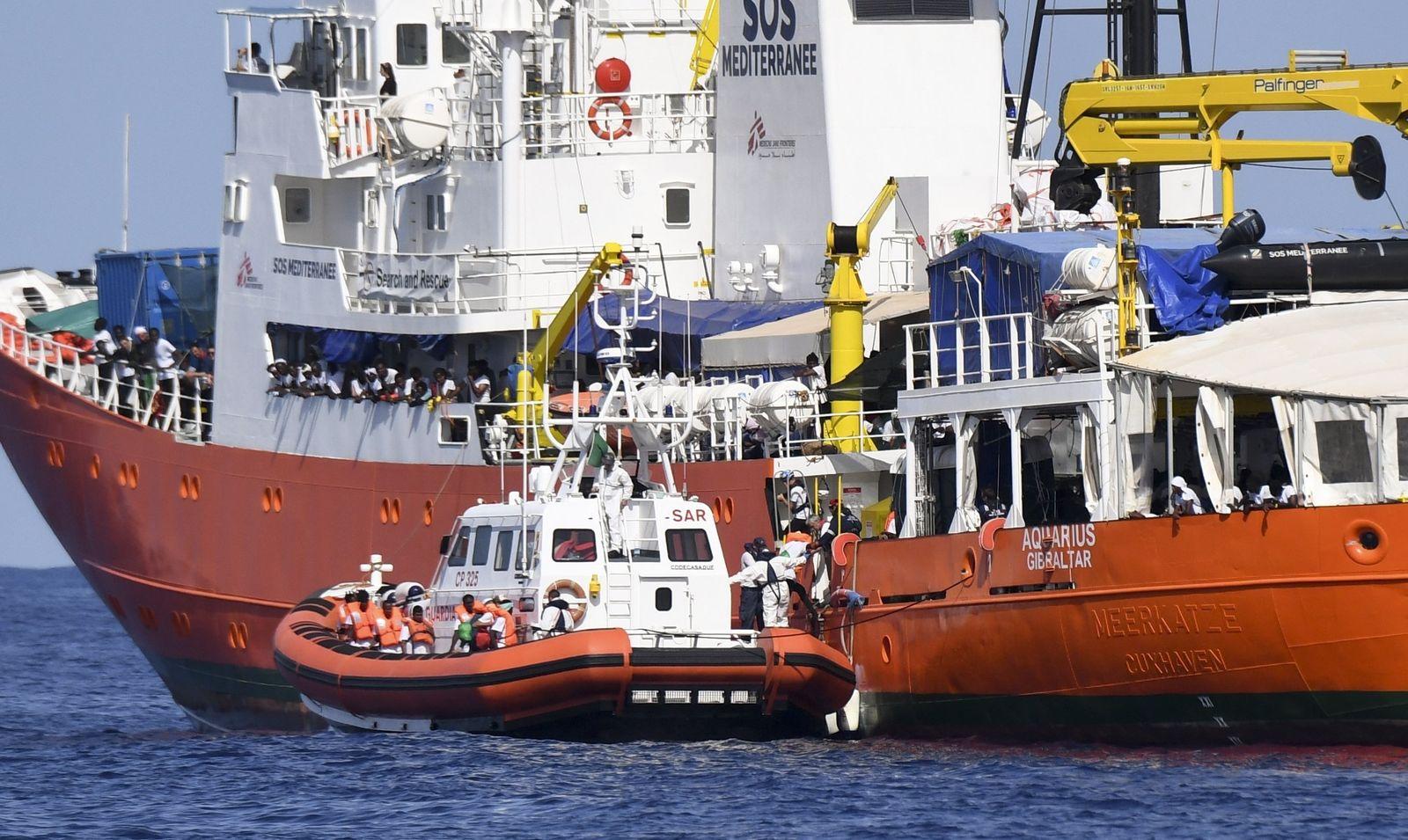 Aquarius/ Flüchtlinge der Aquarius werden nach Spanien gebracht