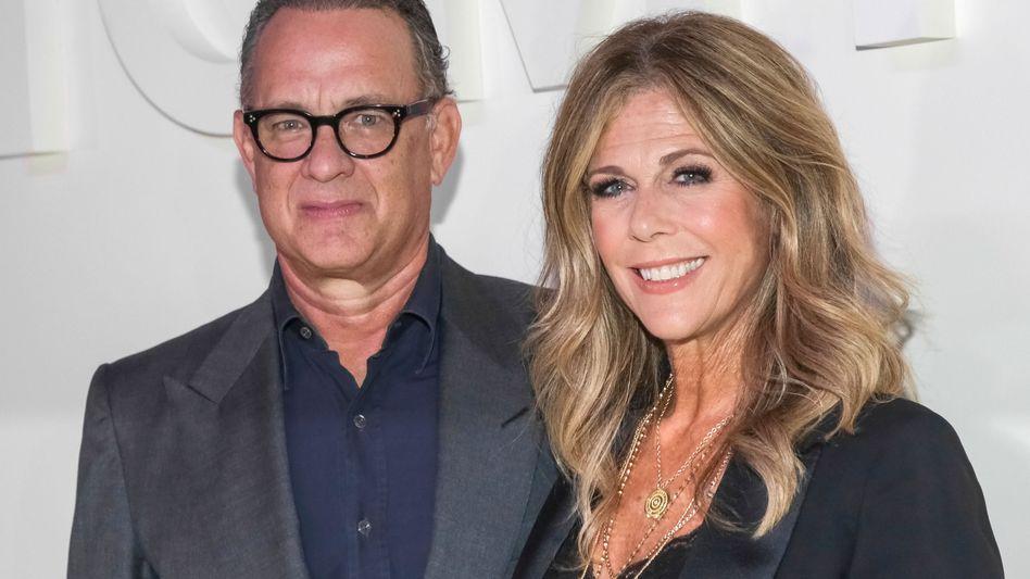 Rita Wilson und Ehemann Tom Hanks: Prominente Covid-19-Patienten