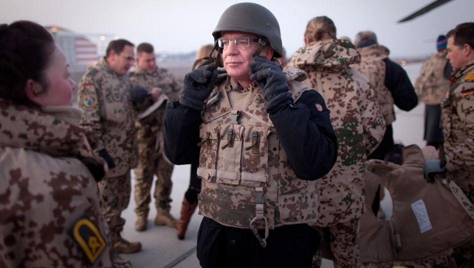 Verteidigungsminister de Maizière: Hitzige Debatten im Bundestag