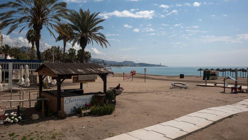 Leerer Strand in Spanien: Keine Spaziergänge, kein Sonnenbad
