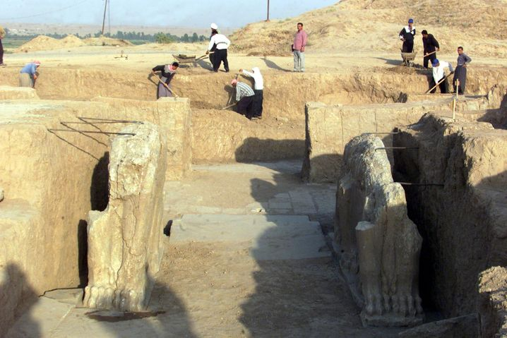 Archäologische Arbeiten in Nimrud um 2001