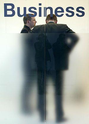 Manager unter sich: Chefsein macht einsam