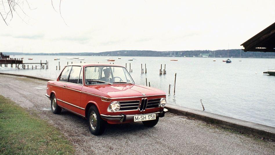 BMW 2002: Für manche gehört die BMW 02-Reihe zwingend zu den 70er Jahren dazu, doch gestartet wurde die Modellfamilie bereits 1966 mit dem Typ 1602