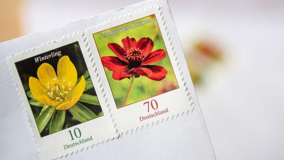 Briefmarken (Symbolbild): Das Bundesverwaltungsgericht bemängelt die neue Berechnungsmethode