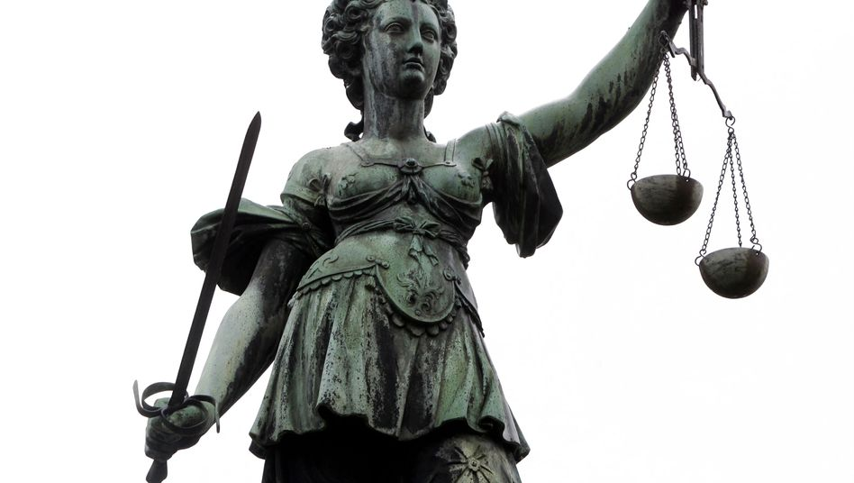"""Justitia in Frankfurt: """"Man kennt sich, man versteht sich"""""""