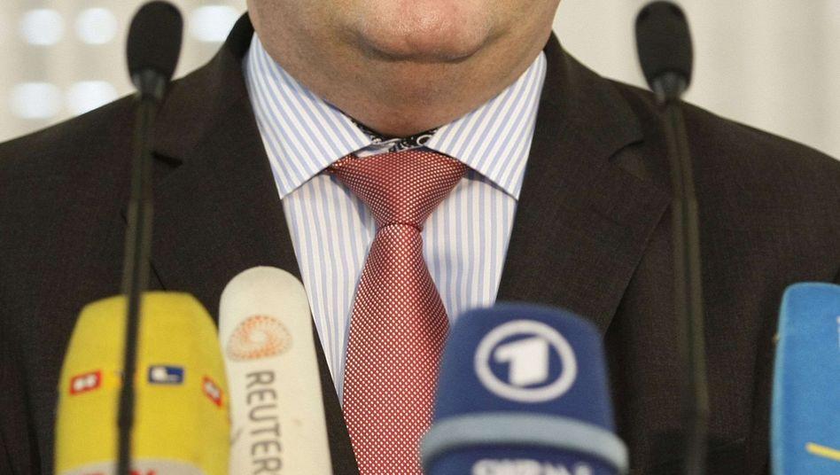 """Ministerpräsident Mappus: """"Ich stelle mich voll und ganz hinter unsere Beamten"""""""