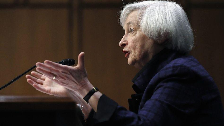 Notenbankchefin Yellen: »Eine scharfe Zinswende würde die Staatsschuldenkrise sofort wieder aufflammen lassen«