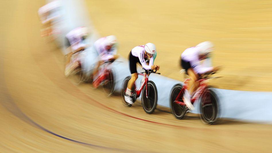 Bahnradfahrer beim Training zu den European Championships