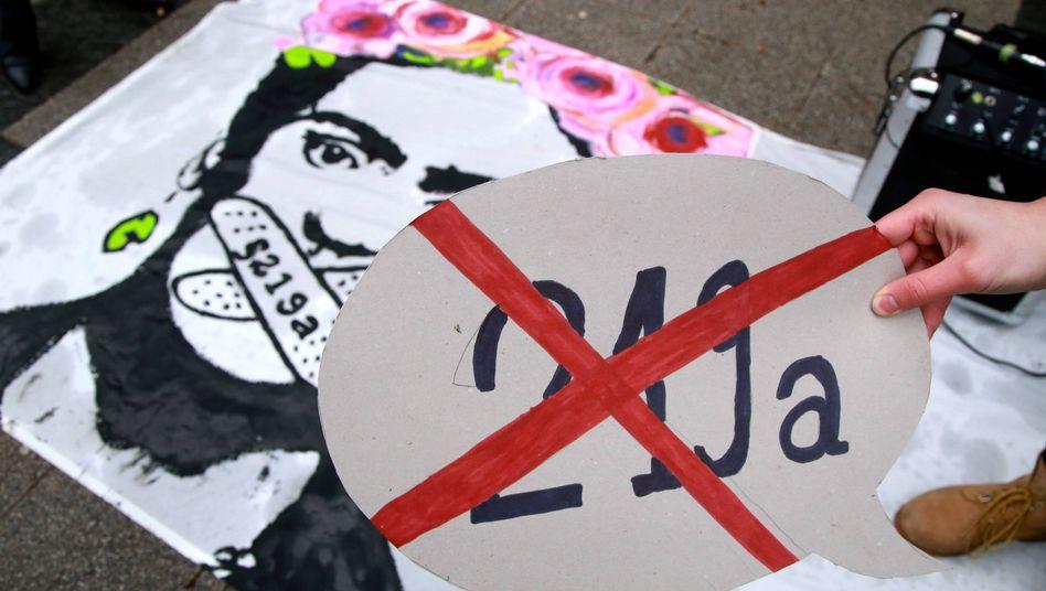 Demonstration in Dortmund gegen den Paragrafen 219a