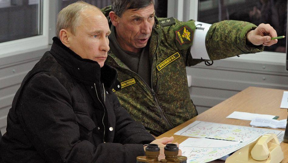 Wladimir Putin bei Militärübung: Asymmetrische Kriegsführung