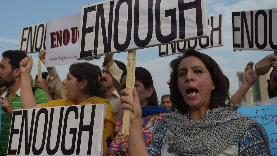 Bürgerprotest nach dem Anschlag in Karatschi: Es ist zum Verzweifeln