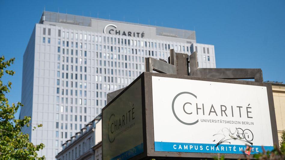 Hauptgebäude der Berliner Uniklinik Charité: Ungewöhnliche Geste der Solidarität