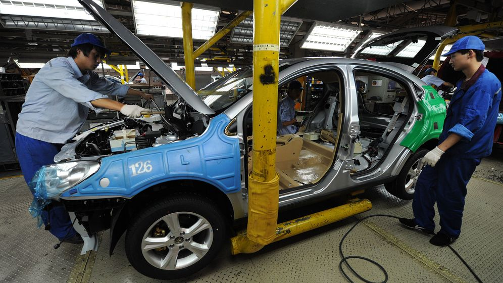 Photo Gallery: China Changes its Car Building Strategy