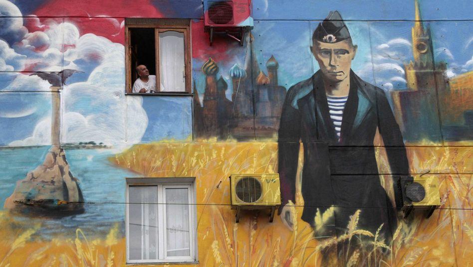 Pro-Putin-Graffito auf einem Haus in Sewastopol, Krim: Das Vertrauen schwindet in Berlin