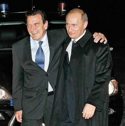 Schröder, Putin: Machtmenschen, Freunde, Geschäftspartner