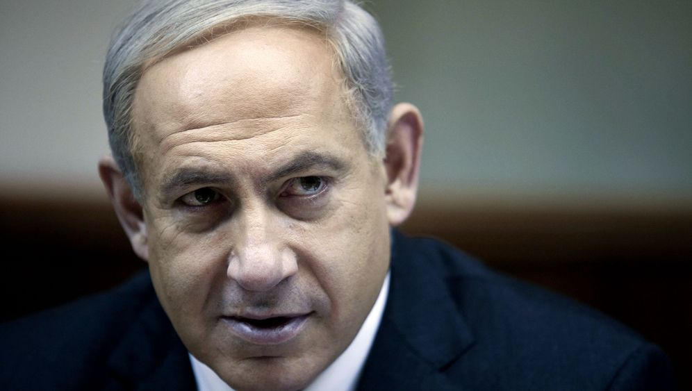 Photo Gallery: The Choice for Bibi