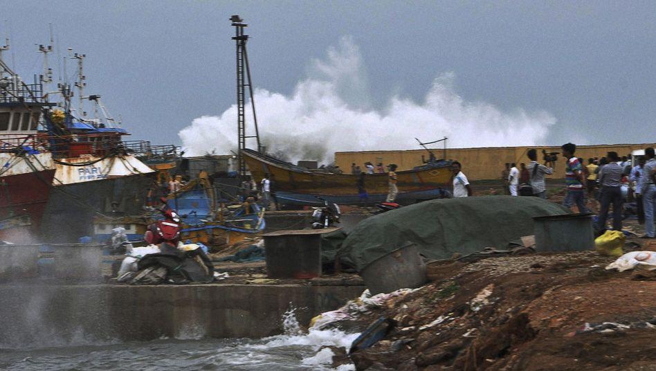 """Zyklon """"Phailin"""": Wirbelsturm wütet an Indiens Ostküste"""