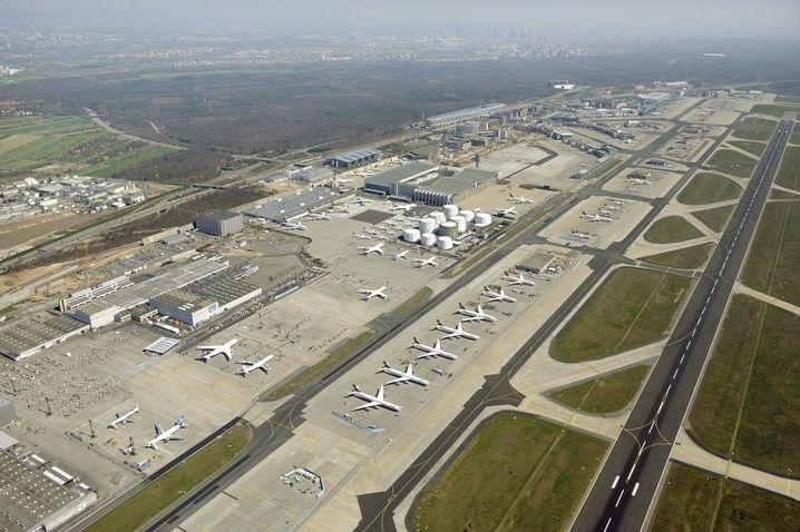 Frankfurter Flughafen (Luftbild): Bis Ende 2011 vierte Landebahn