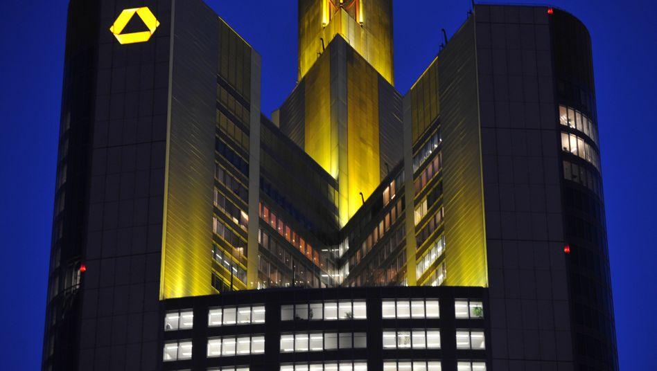 Commerzbank-Zentrale in Frankfurt am Main: Auflagen der europäischen Bankenaufsicht