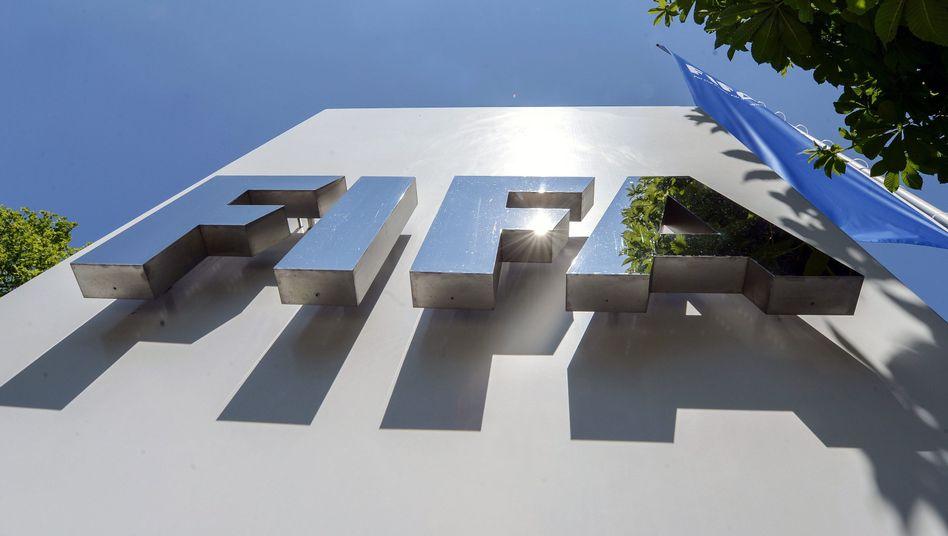 """Fifa-Zentrale in Zürich: Verdacht der """"ungetreuen Geschäftsbesorgung"""""""
