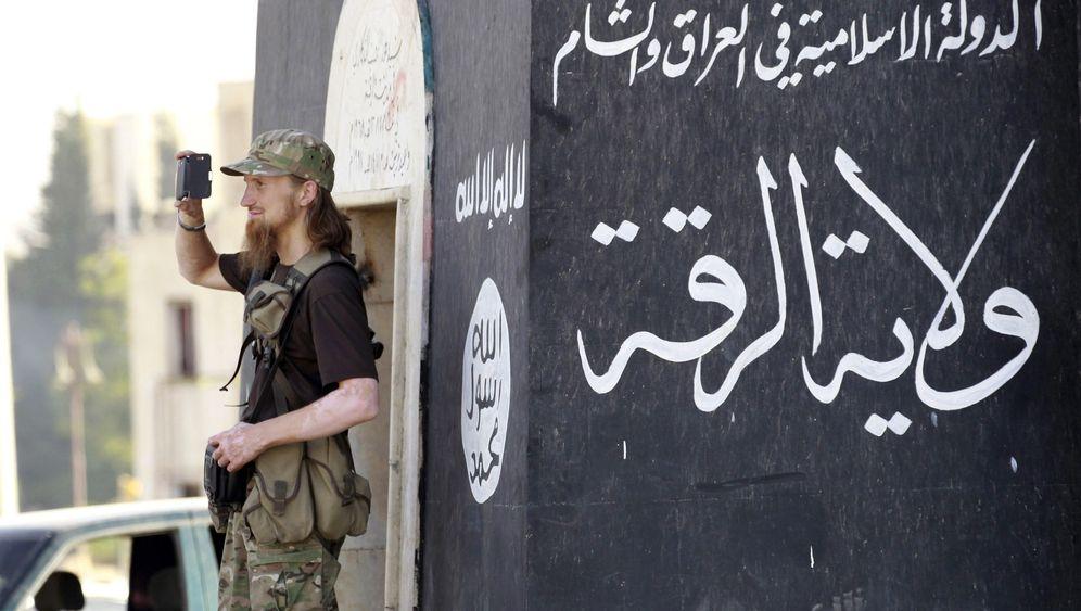 Online-Recherche: Blogger findet IS-Ausbildungslager