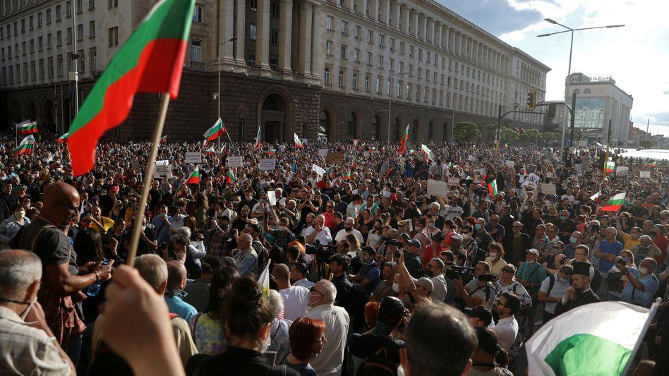 Demonstranten in Sofia (Foto vom Sonntag)