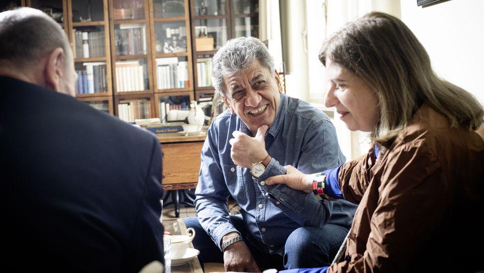 Wali, Lewitscharoff beim SPIEGEL-Gespräch mit dem Redakteur Romain Leick in Lewitscharoffs Wohnung in Berlin